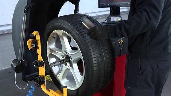 Comment changer les pneus de votre voiture?