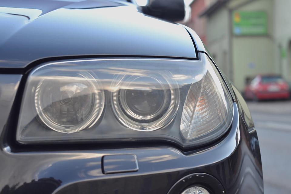Tout savoir sur le remplacement des ampoules d'une voiture