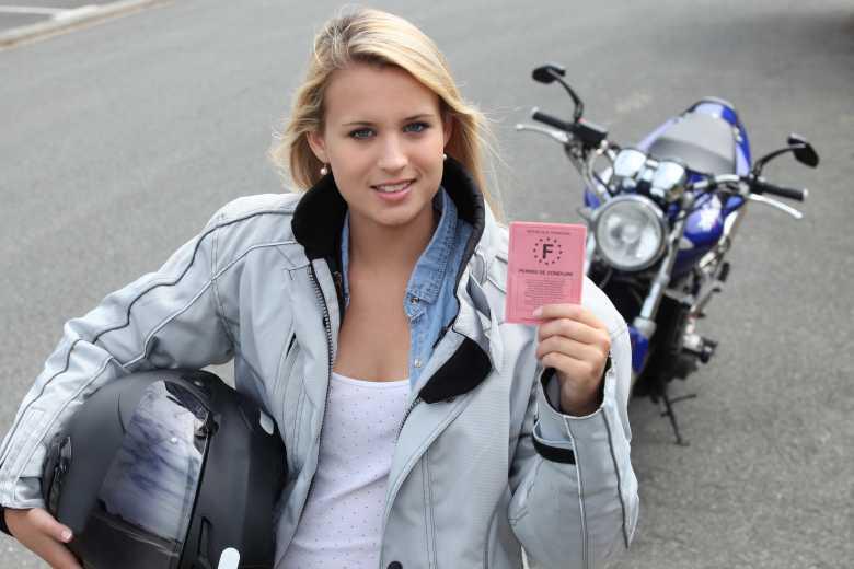 Comment obtenir son permis de conduire en province