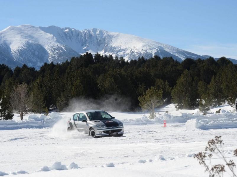 Où faire un stage de pilotage sur glace ?
