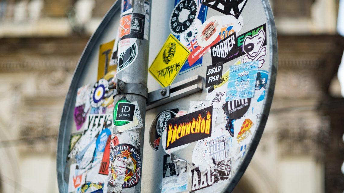 Stickers pour véhicule, pourquoi les acheter auprès d'un spécialiste ?